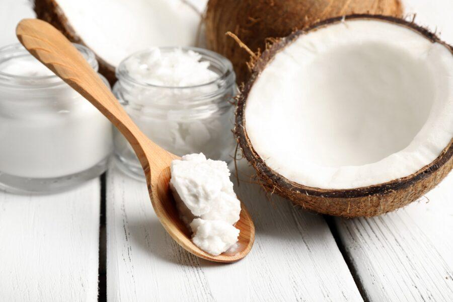 Kokosovo ulje za zube koji blistaju
