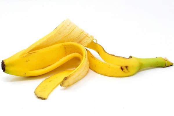 Kora od banane kao sredstvo za izbeljivanje zuba